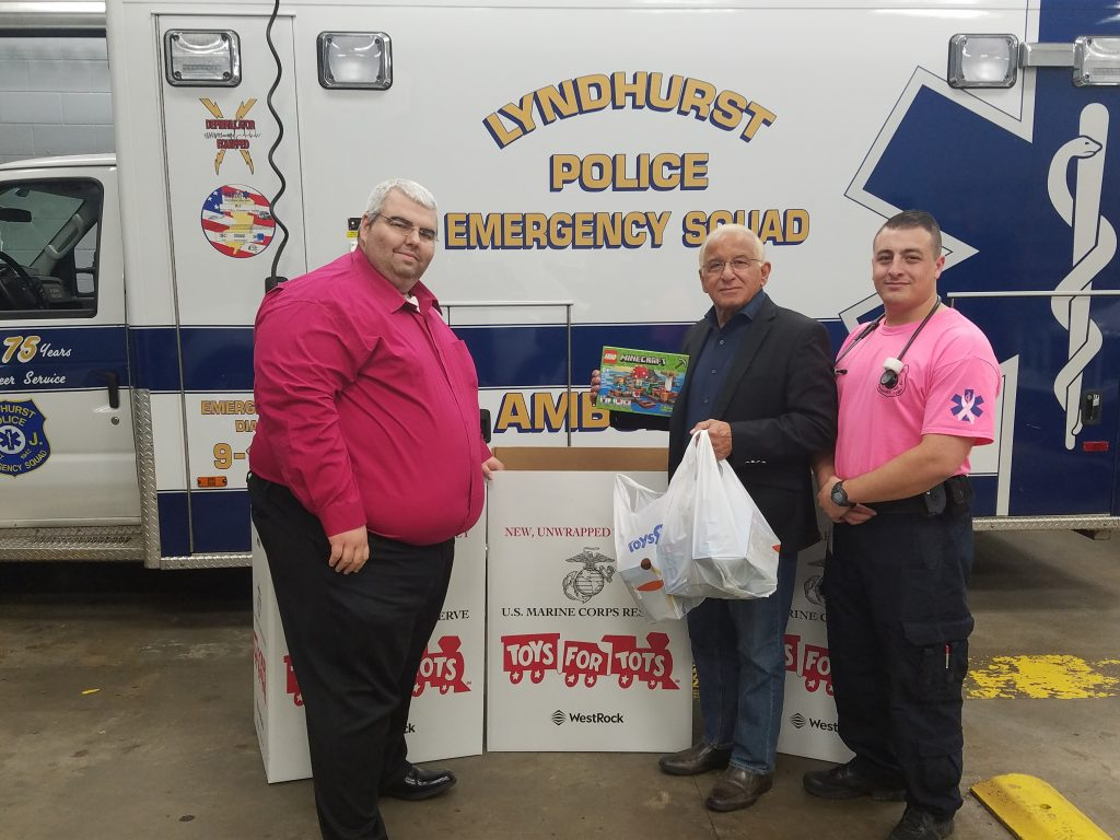 Police Toys For Tots 2017 : Lyndhurst emergency squad sponsors toys for tots through